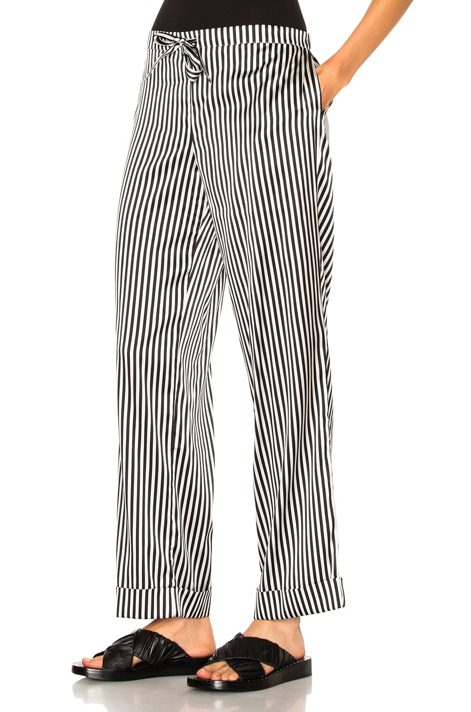 Image 6 of YOLKE Stripes Classic Set in Black & White
