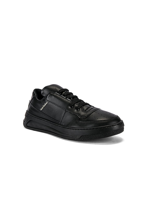 Perey Lace Up Sneakers in Black