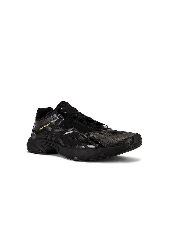 Trail Sneakers in Black & Black