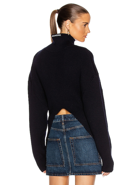 Long Sleeve Highneck Sweater in Navy