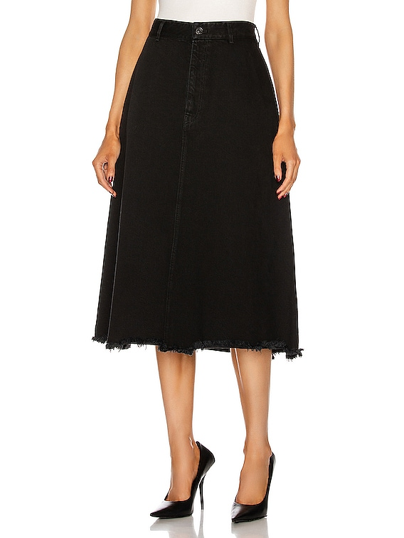 Front Kick Skirt in Pitch Black