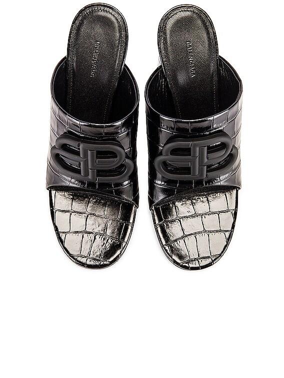 Croc Oval BB Sandals in Black & Black