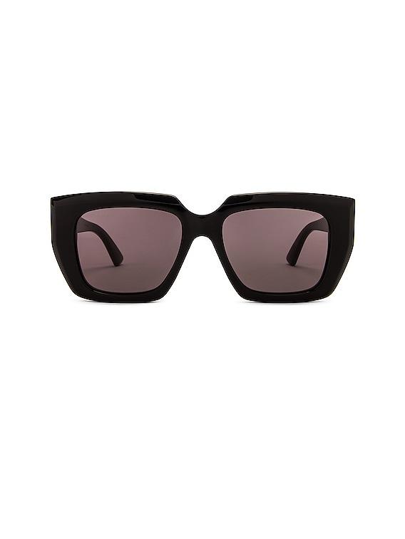 Square Sunglasses in Shiny Black