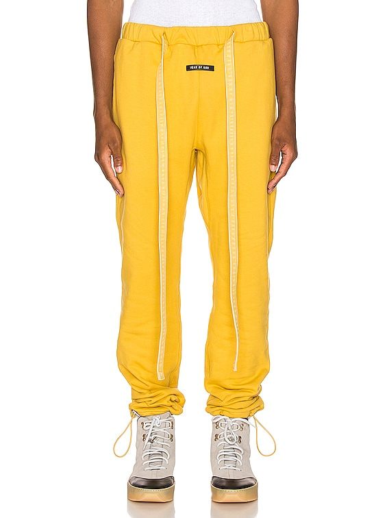 Core Sweatpant in Garden Glove Yellow