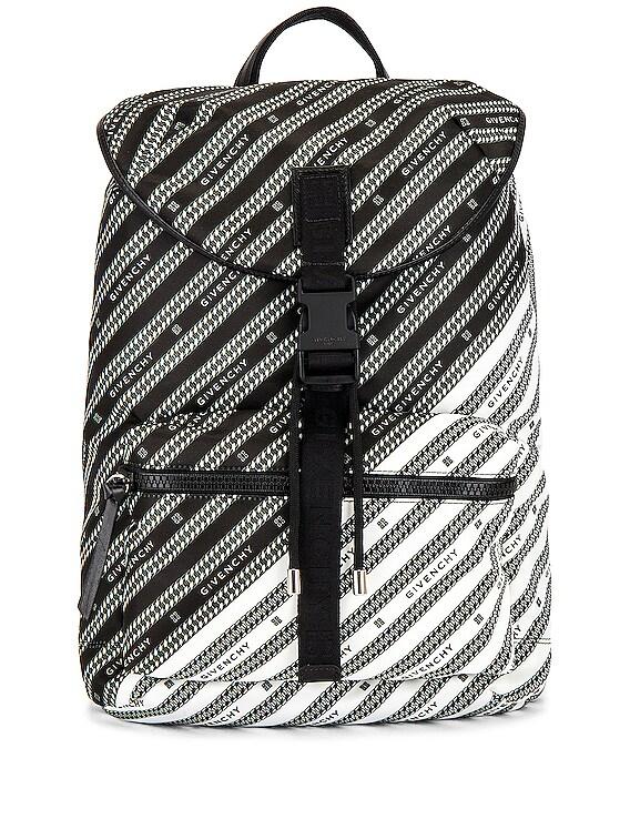 Light 3 Backpack in Black & White