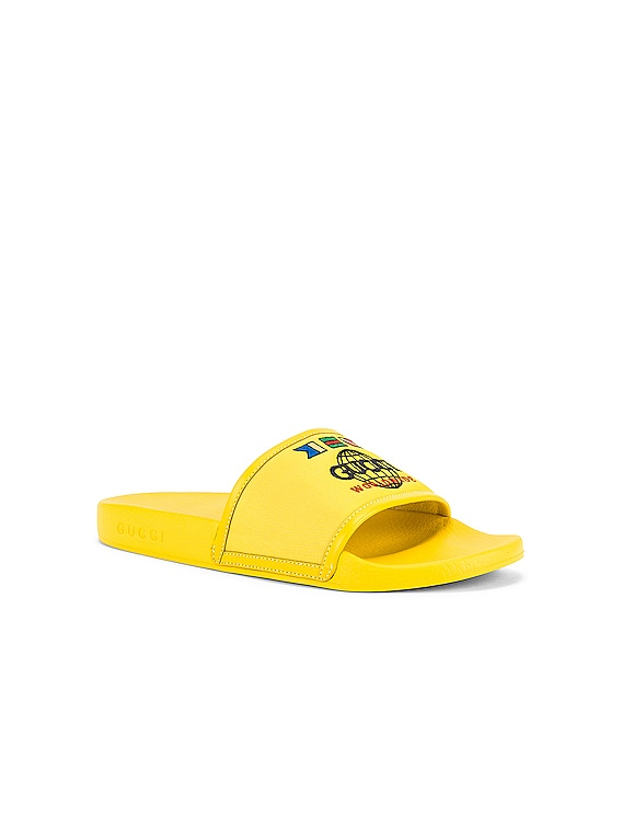 Pursuit Slide in Smile Yellow & Yellow