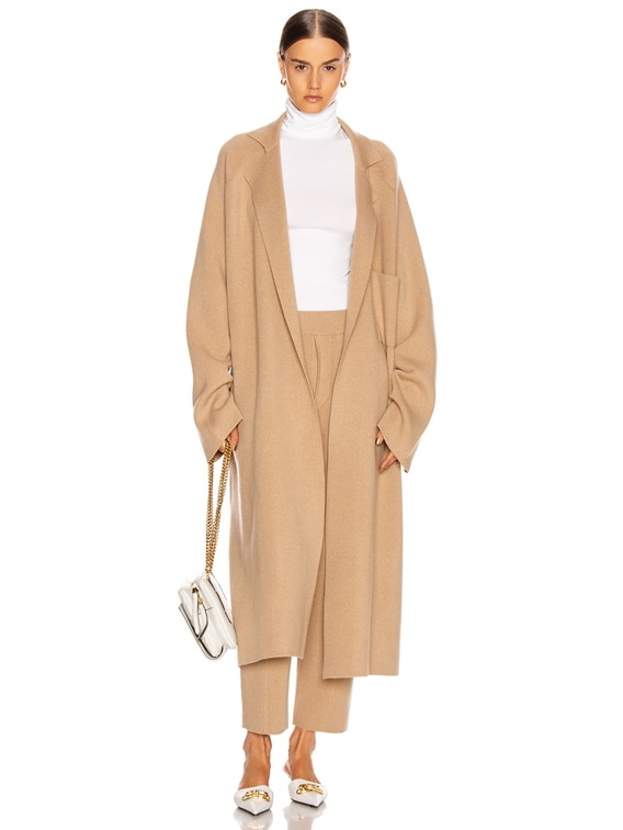 Knitted Coat in Invidia Camel