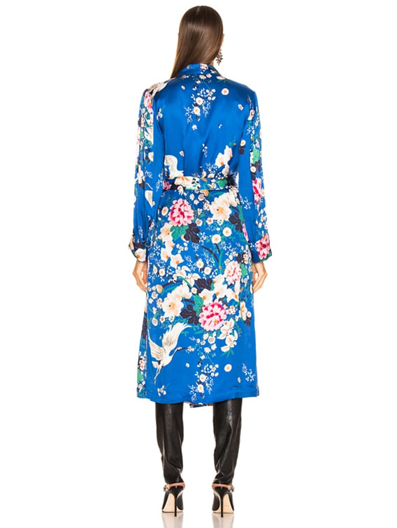Icons Objects Of Devotion Draper Robe In Chinioserie Blue Bird Fwrd