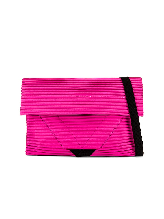 Pleasts Flat Bag in Pink