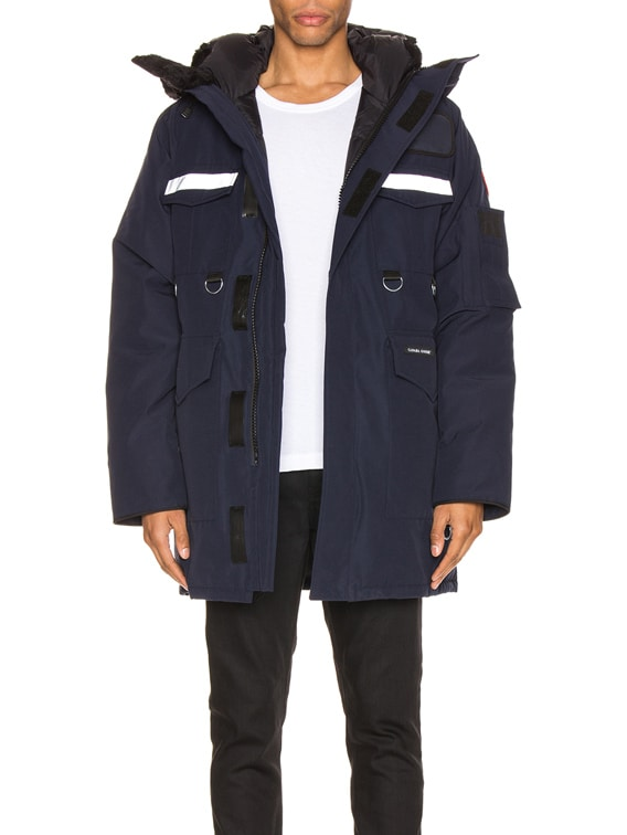 x Canada Goose Jacket in Navy
