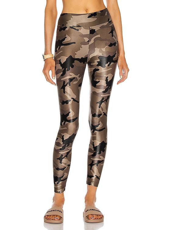 Lustrous High Rise Legging in Camo