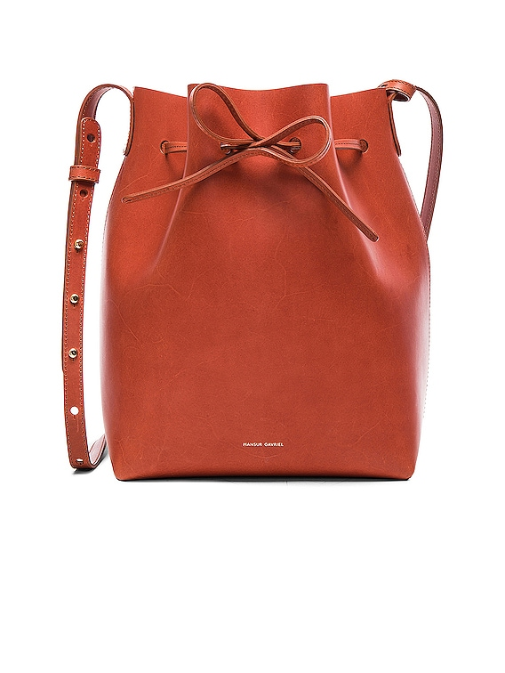Bucket Bag in Brandy