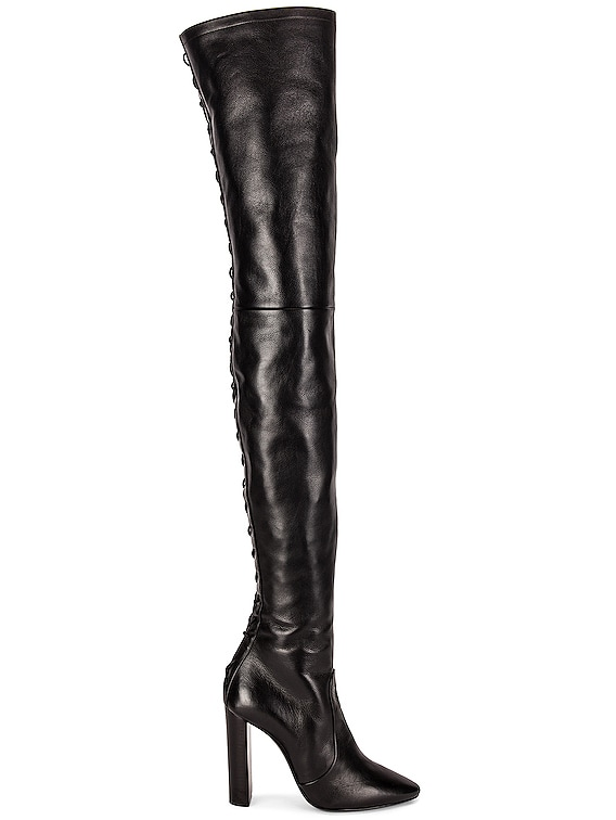 Moon Boots in Nero