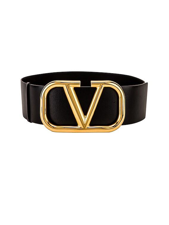 V Logo Buckle Belt in Nero