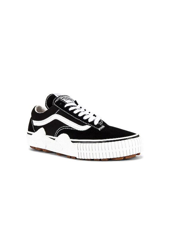 Cap Mash Sneaker in Black & White