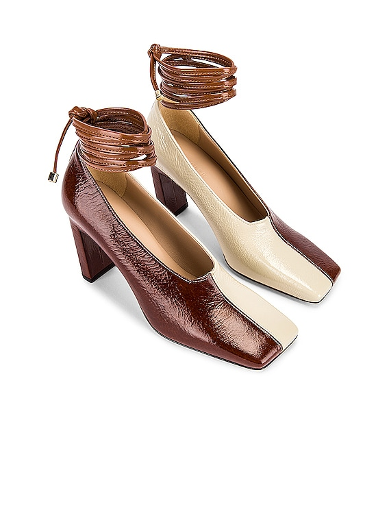 Isa Mules in Tan Shades