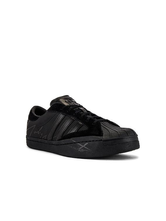 Star Sneaker in Black & White & Black