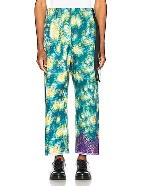 Vibrating Floral Line Stitch Trousers