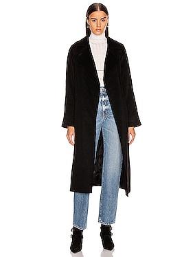 Manuel Coat