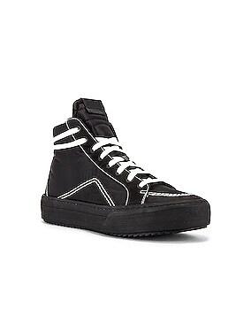 V1-Hi Sneaker