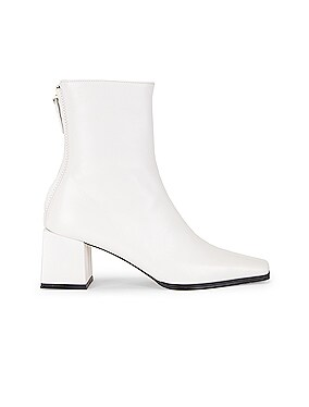 Cube Heel Basic Boots