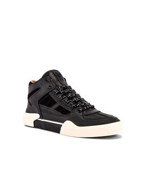 Elysses Court Shoe
