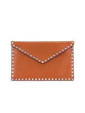 Medium Rockstud Flat Pouch
