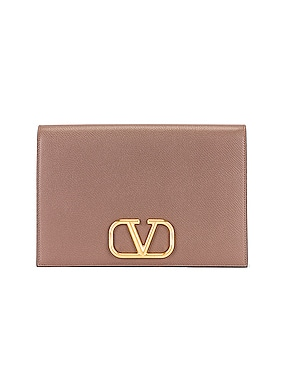 Medium VLogo Pouch