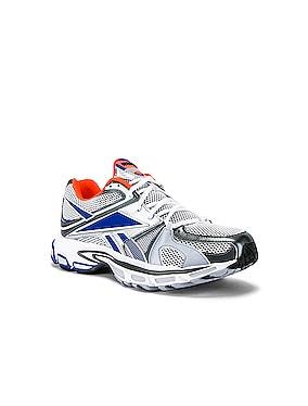 Spike Runner 200 Sneaker