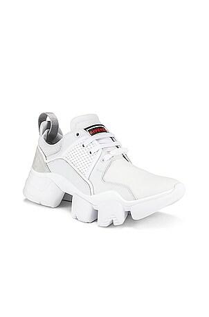 Low Jaw Sneaker