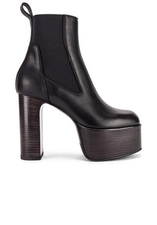 Elastic Kiss Boot